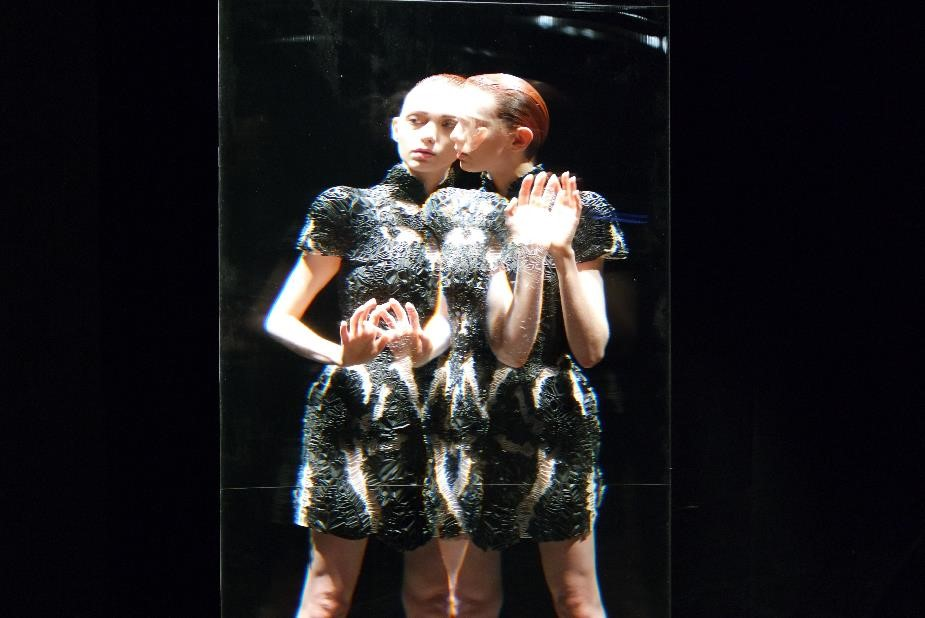 "The Dream-Like ""Lucid"" Collection by Iris van Herpen"